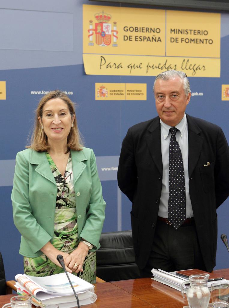Rueda de prensa en el Ministerio de Fomento para presentar los Presupuestos Generales del Estado de 2016. Fuente: fomento.gob.es
