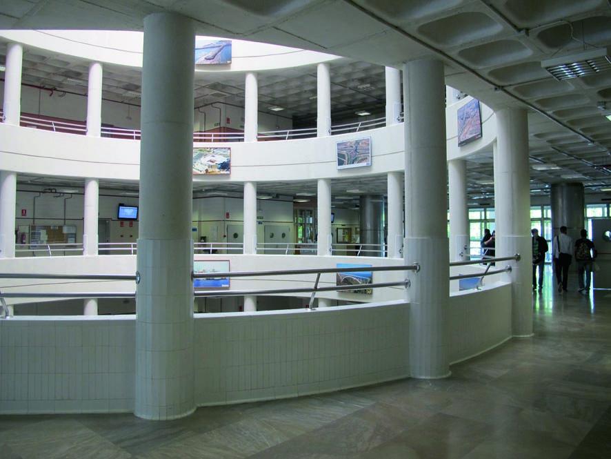 Escuela Técnica Superior de Ingeniería de Caminos, Canales y Puertos de la Universidad de Granada. Créditos: etsiccp.ugr.es