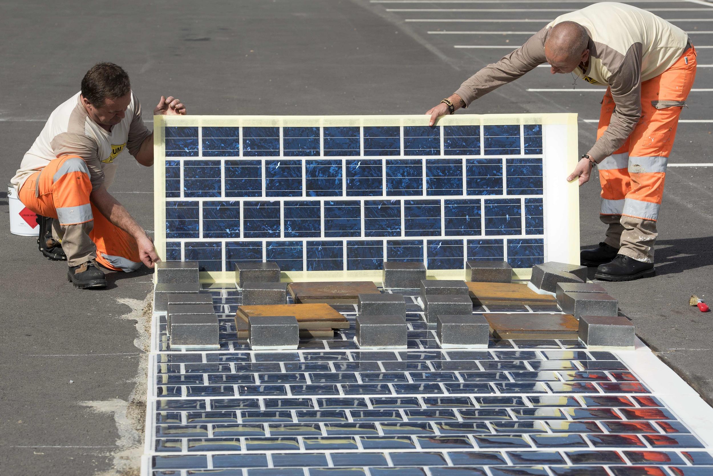 Instalación de la carretera solar Wattway, en Francia   Créditos: Joachim Bertrand / COLAS