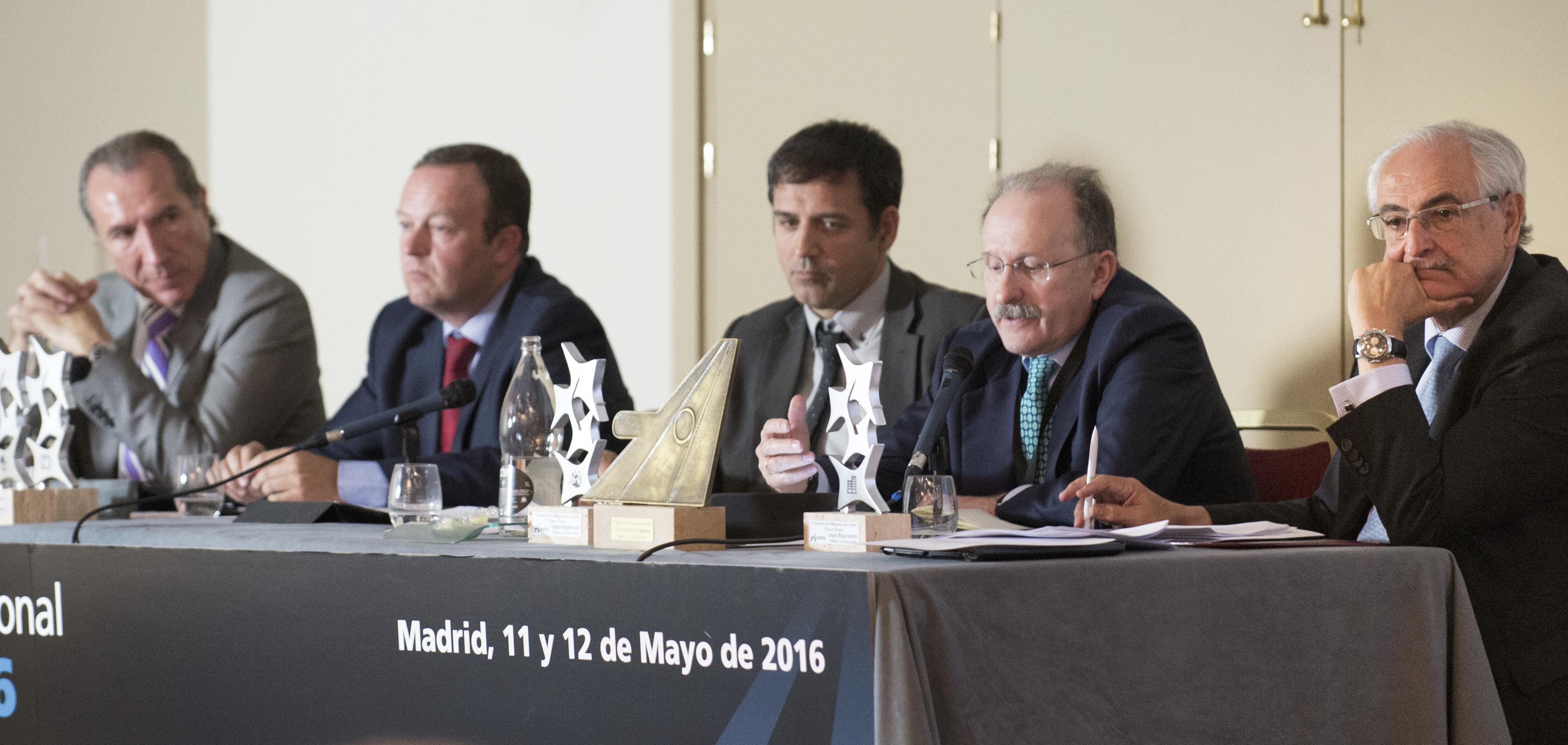 Titulares de carreteras de Madrid, Cataluña, Andalucía y Castilla y León.