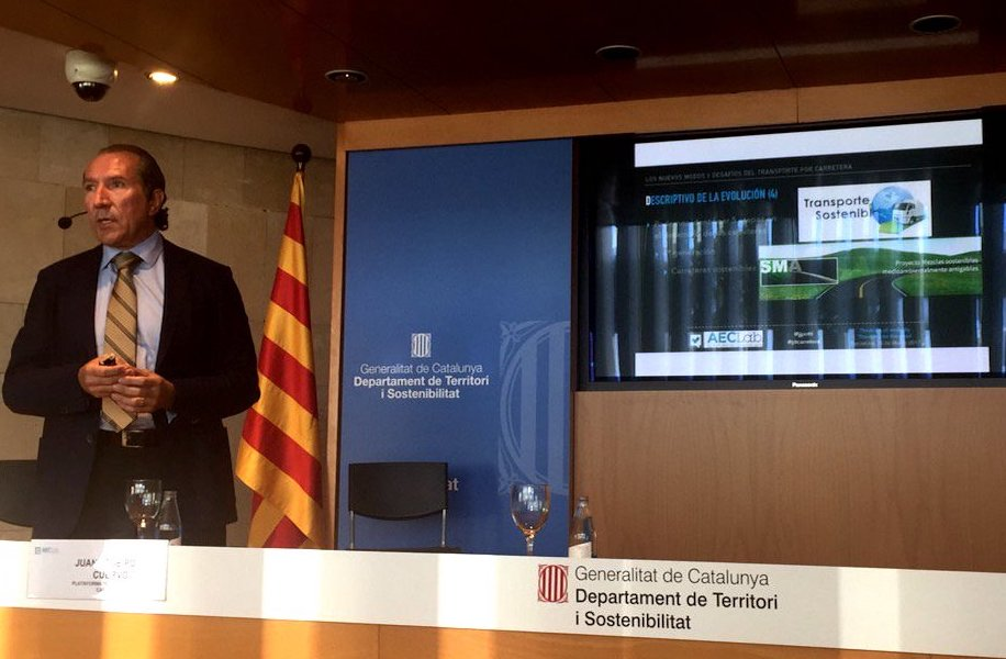 Juan José Potti, presidente de ASEFMA, durante su intervención en el workshop AECLab  Créditos: Mario Lombán en Twitter