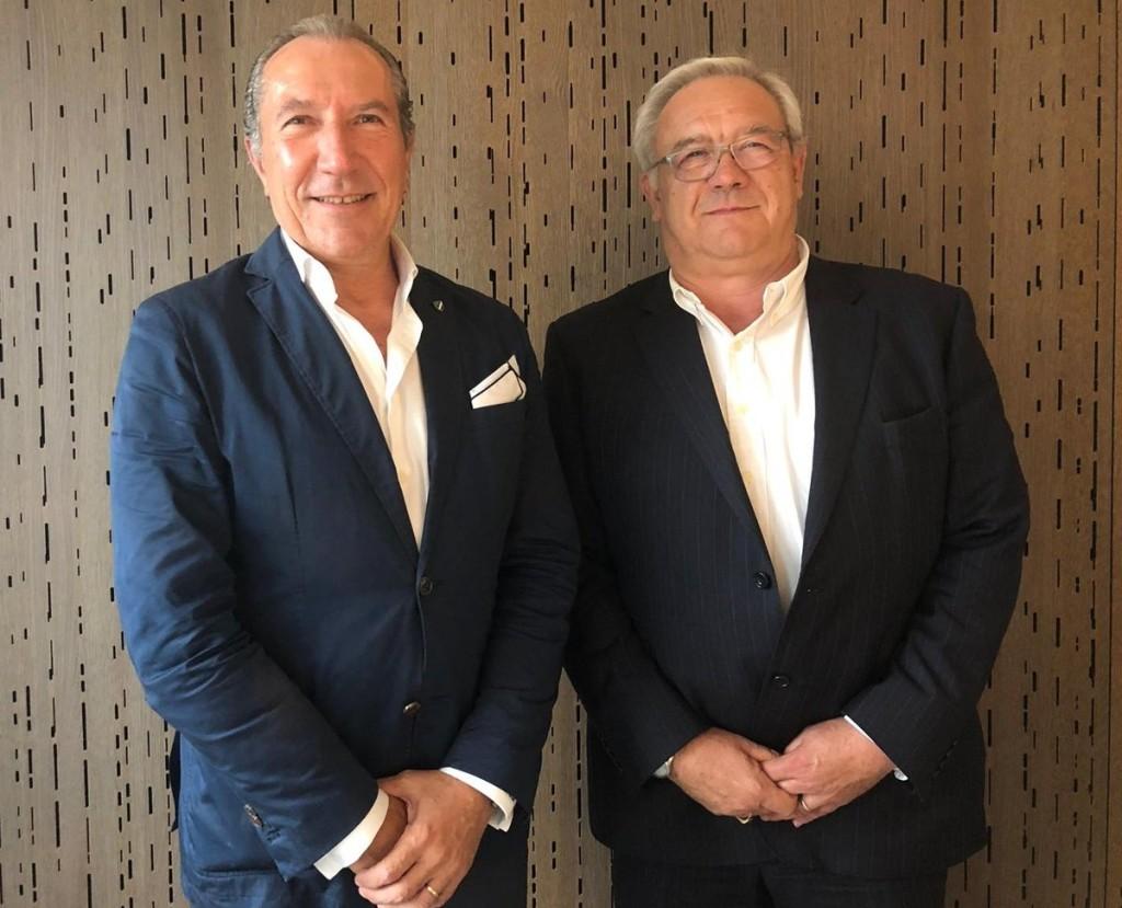 François Chaignon y Juan José Potti posan tras su nombramiento como presidente y vicepresidente en la Asamblea General de EAPA.